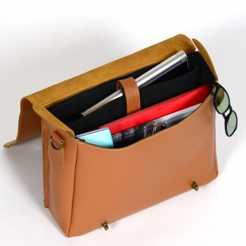 Bicycle bag for laptops