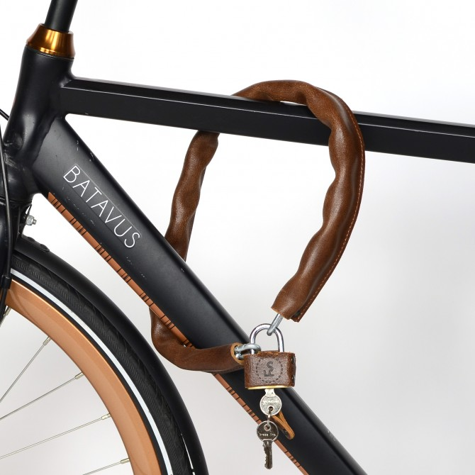 Bicycle leather lock with brass padlock